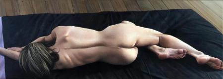 long-nude050